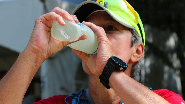 coureur sport course hydratation