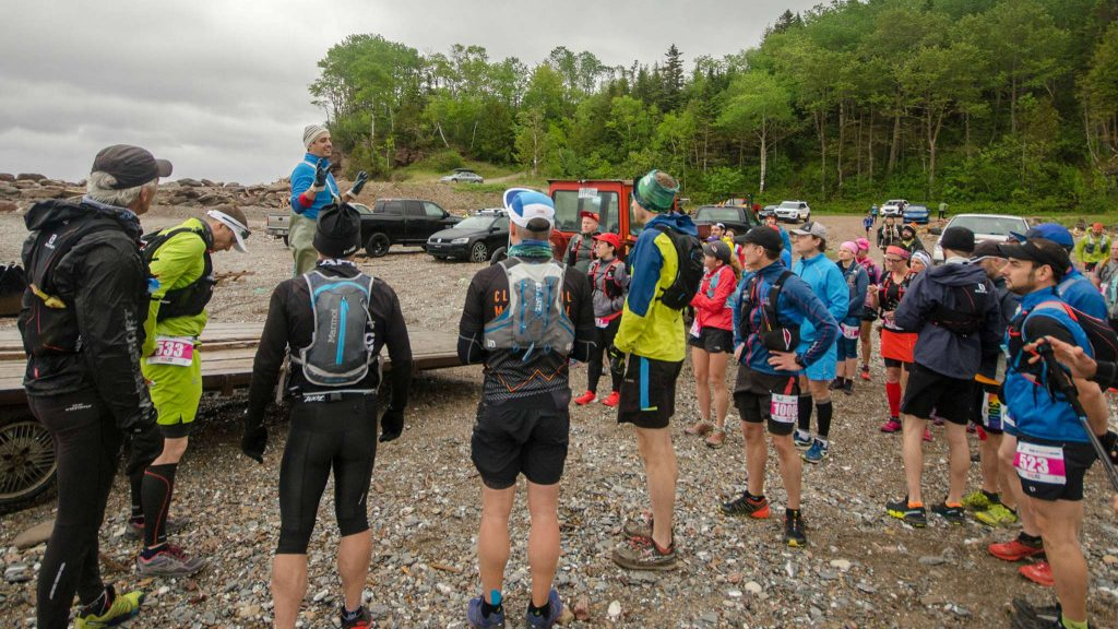 Briefing d'avant-course de Jean-François Tapp au Gaspésia 100 2017 / Photo: courtoisie