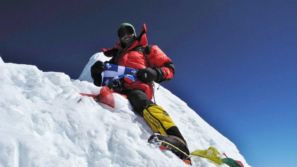 Au sommet du Manaslu (8163m) au Népal, en 2011 - Photo: Courtoisie