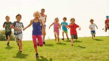 enfants qui courent