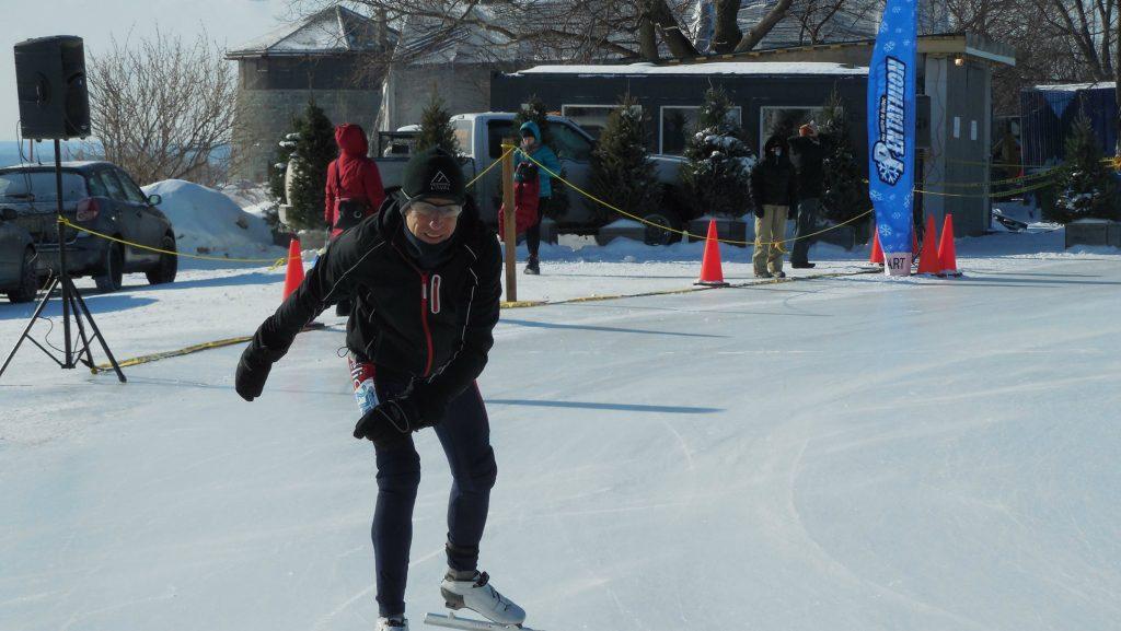 Jeannot en patin alors que le Pentathlon se tenait tout près des tours Martello - Photo: Courtoisie