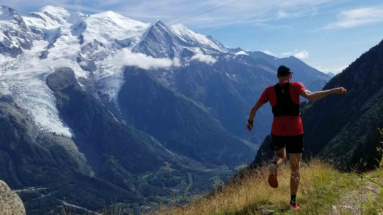 Alister Gardner sur les sentiers autour du Mont-Blanc - Photo courtoisie