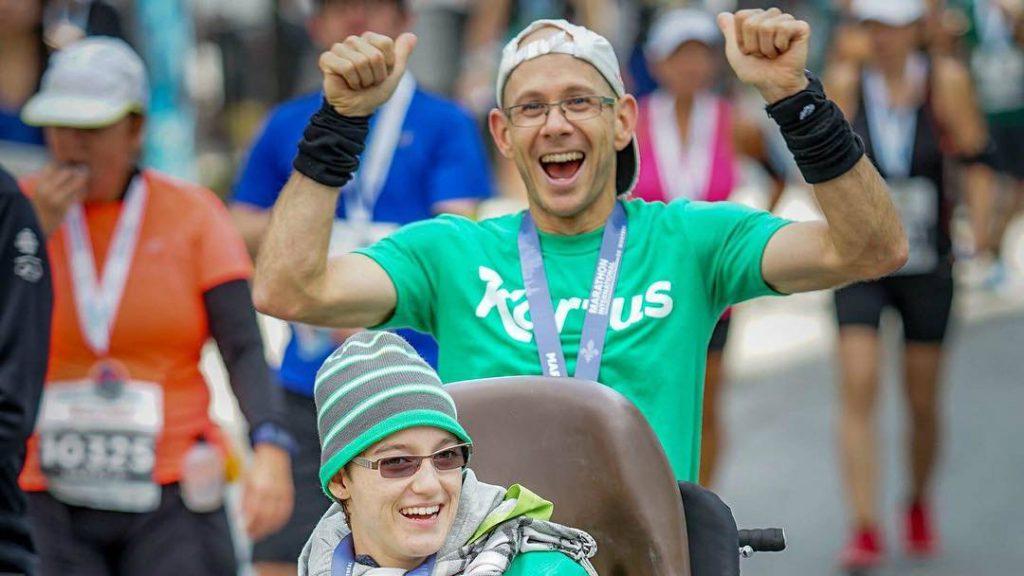 Sébastien Roulier et Marie-Michelle Fortin à leur arrivée au Marathon de Montréal - Photo : Facebook