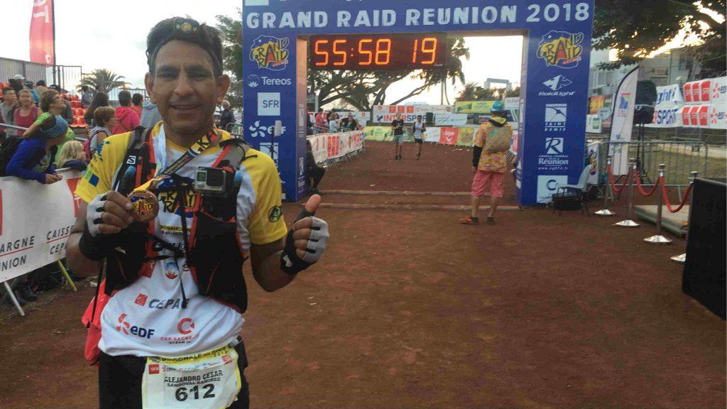 Alejandro Ramirez Sandoval sur la ligne d'arrivée du Grand Raid 2018 - Photo courtoisie