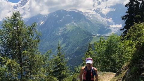Emmanuelle dans les Alpes - Photo : courtoisie