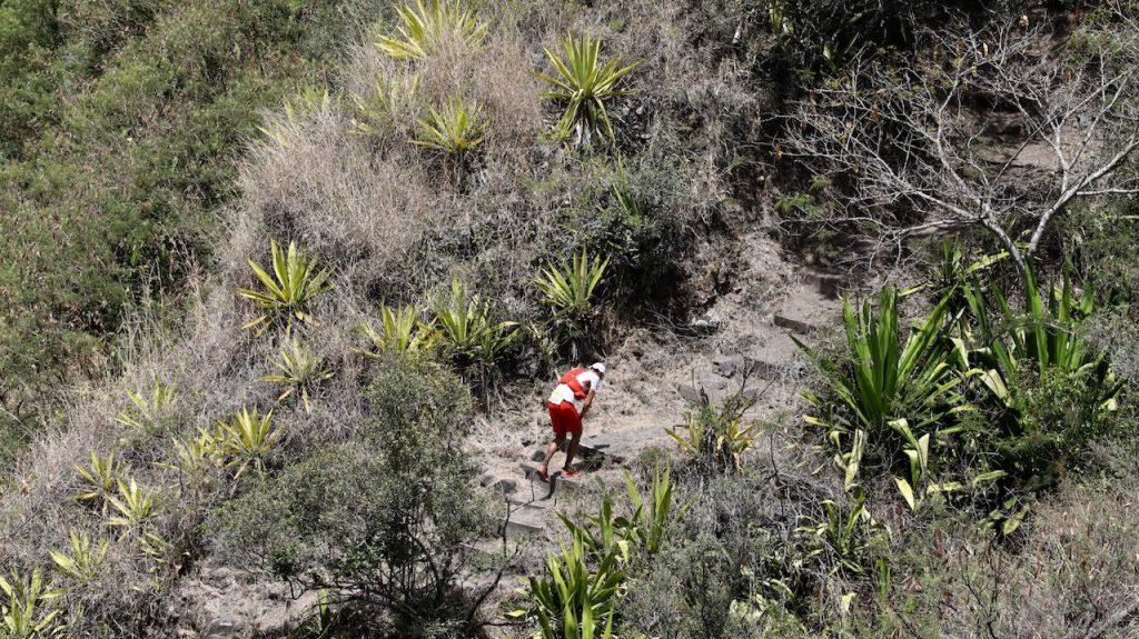 François D'Haene en pleine ascension lors du Grand Raid de La Réunion 2018 - Photo : IPR