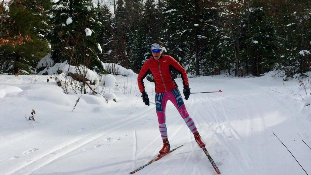 Annie Jean aime pratique une variété de sports comme le ski de fond et le vélo - Photo: courtoisie