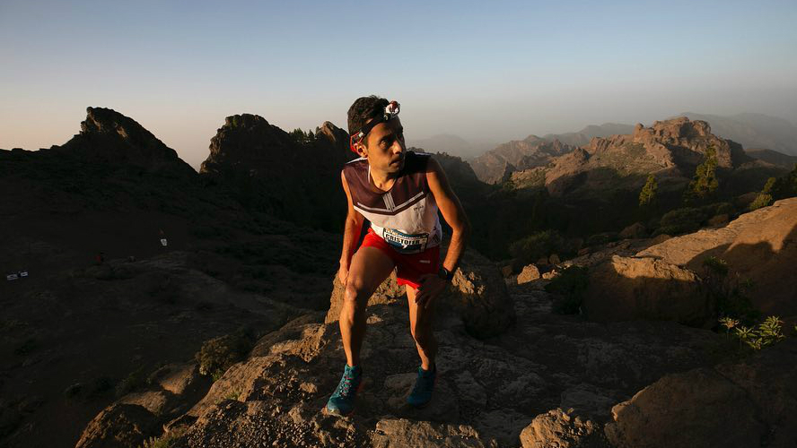 L'Espagnol Cristofer Clemente, 3e de la Transgrancanaria 2019, lors de l'ascension vers Roque Nublo - Photo : Transgrancanaria
