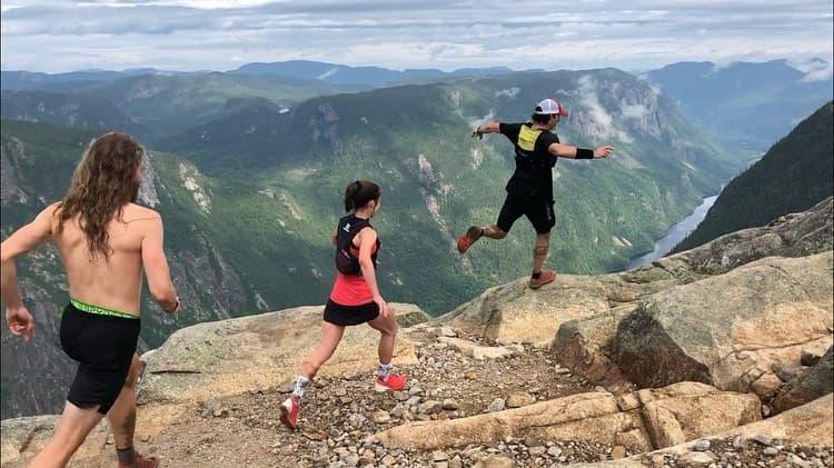 Les coureurs au sommet de l'Acropole des draveurs - Photo : courtoisie