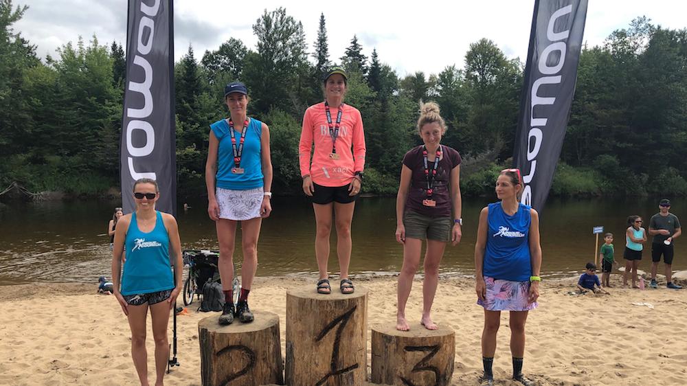 Le podium féminin du 37 km au Trans Vallée - Photo : Vincent Champagne
