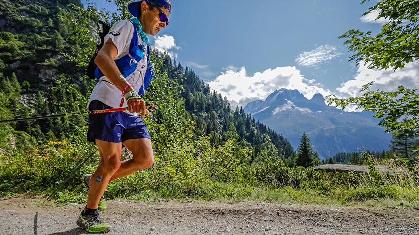 Xavier Thévenard sur le parcours de l'UTMB 2019 - Photo : Thomas Bekker / UTMB