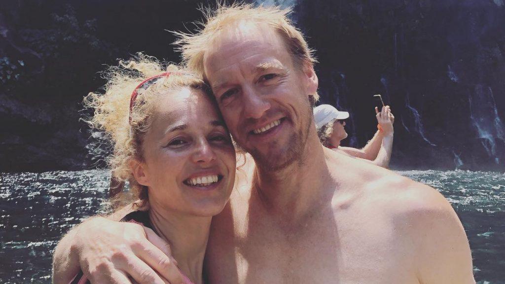 Isabelle Dumais et Blaise Dubois lors d'un moment de détente avec les Guerriers du Grand Raid à la cascade des Aigrettes - Photo : courtoisie