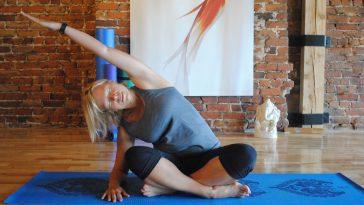 yoga mireille massé étirement latéral