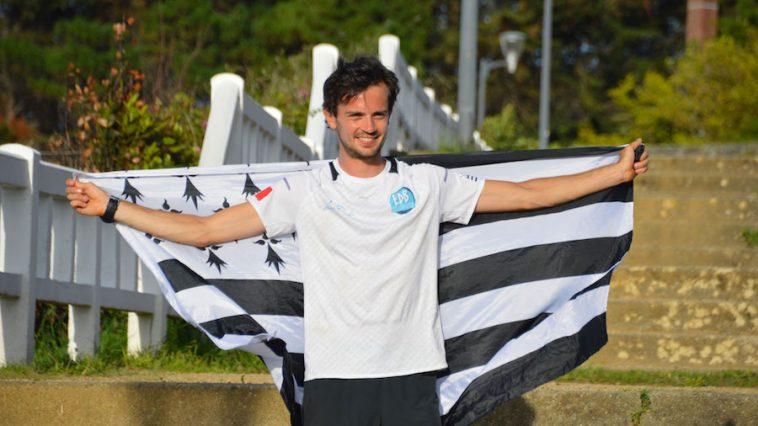Jean-Adrien Michel à son arrivée à Saint-Quay-Portrieux après 234km de course