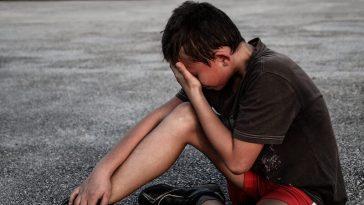 enfant qui pleure après sa course