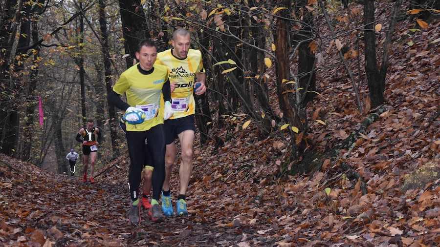Deux des meilleurs traileurs «parisiens» actuels, Aurélien Collet (à gauche) et Nicolas Duhail, sur le parcours du Trail de La Sans Raison