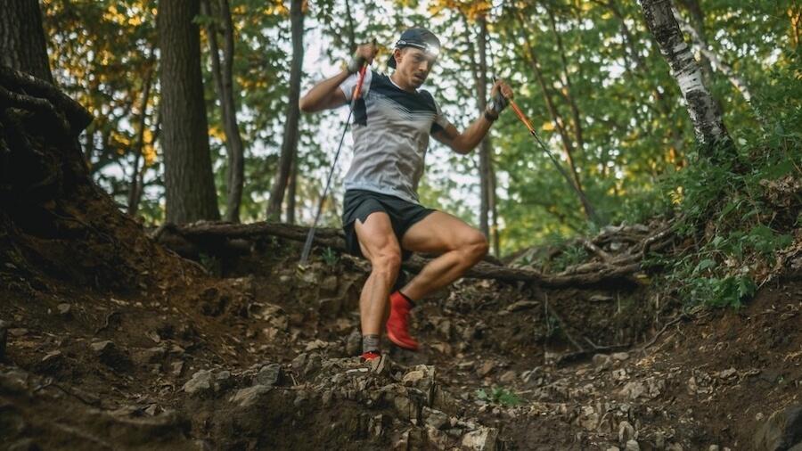 Mathieu Blanchard lors de son défi 10000m de dénivelé au Mont-Royal à Montréal