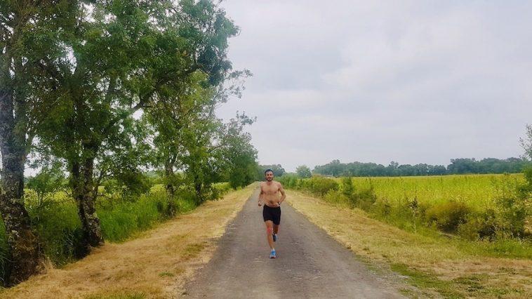 Geoffrey Lonca durant son défi Bordeaux - Royan à la course par les sentiers